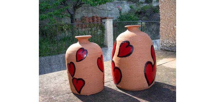 Immagine di piccole giare in ceramica