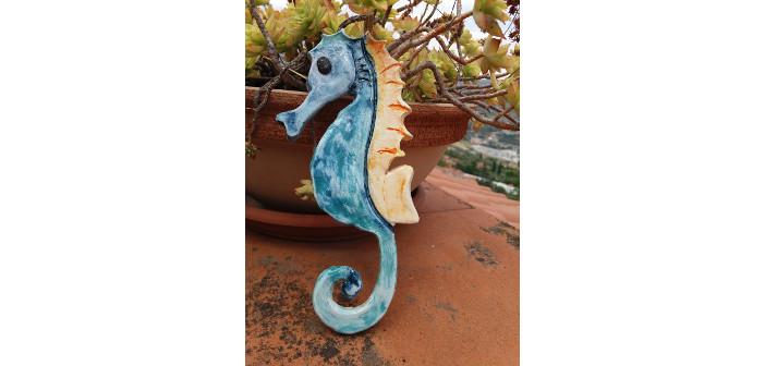 Immagine di un cavalluccio marino azzurro