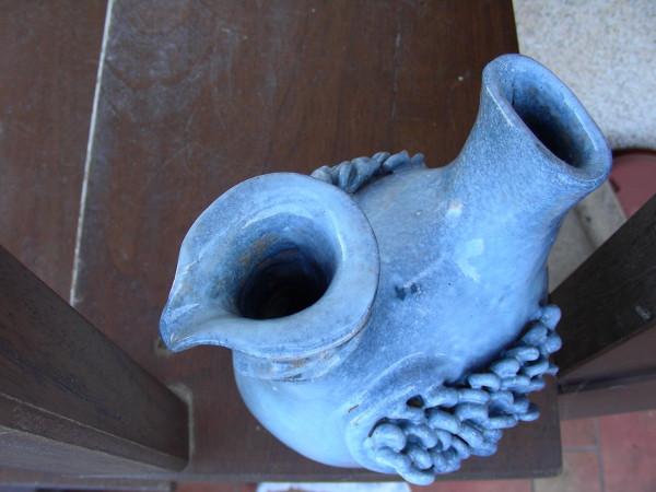Immagine di un vaso uccello stilizzato visto dall'alto