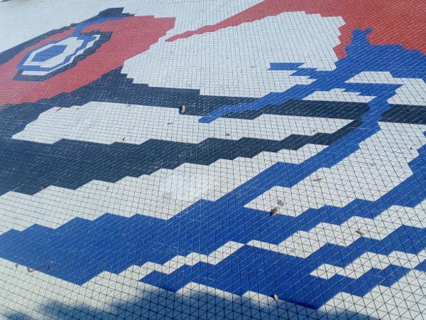 Immagine del pavimento della Passeggiata degli Artisti ad Albissola Marina