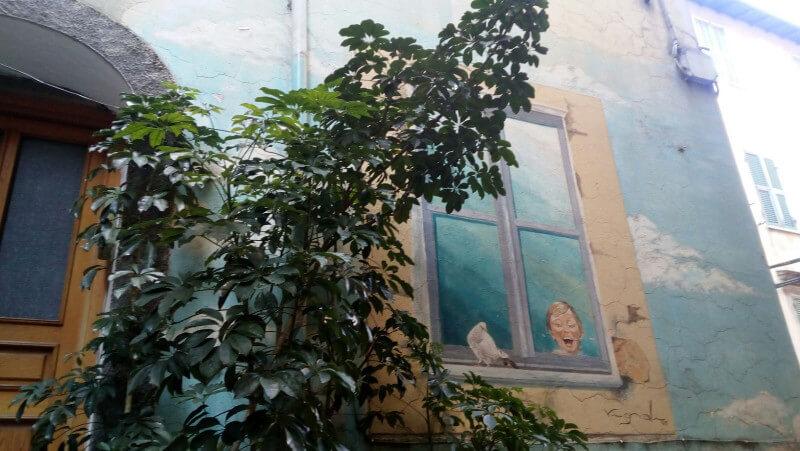 Immagine di un dipinto murale a Badalucco