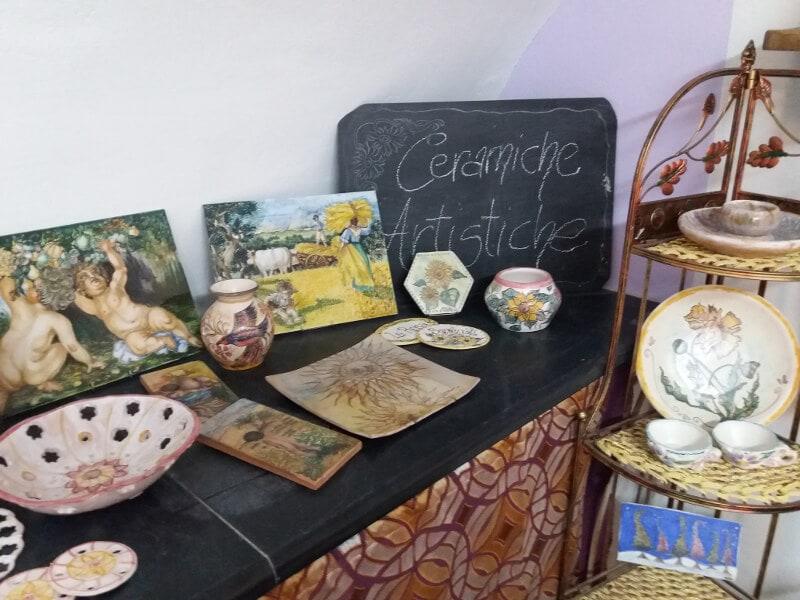 Immagine delle ceramiche artistiche del Museo della ceramica di Badalucco