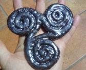 Triskell celtica in ceramica artigianale